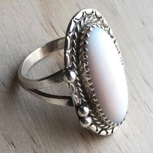 Antique Native Old Pawn mother of pearl ring